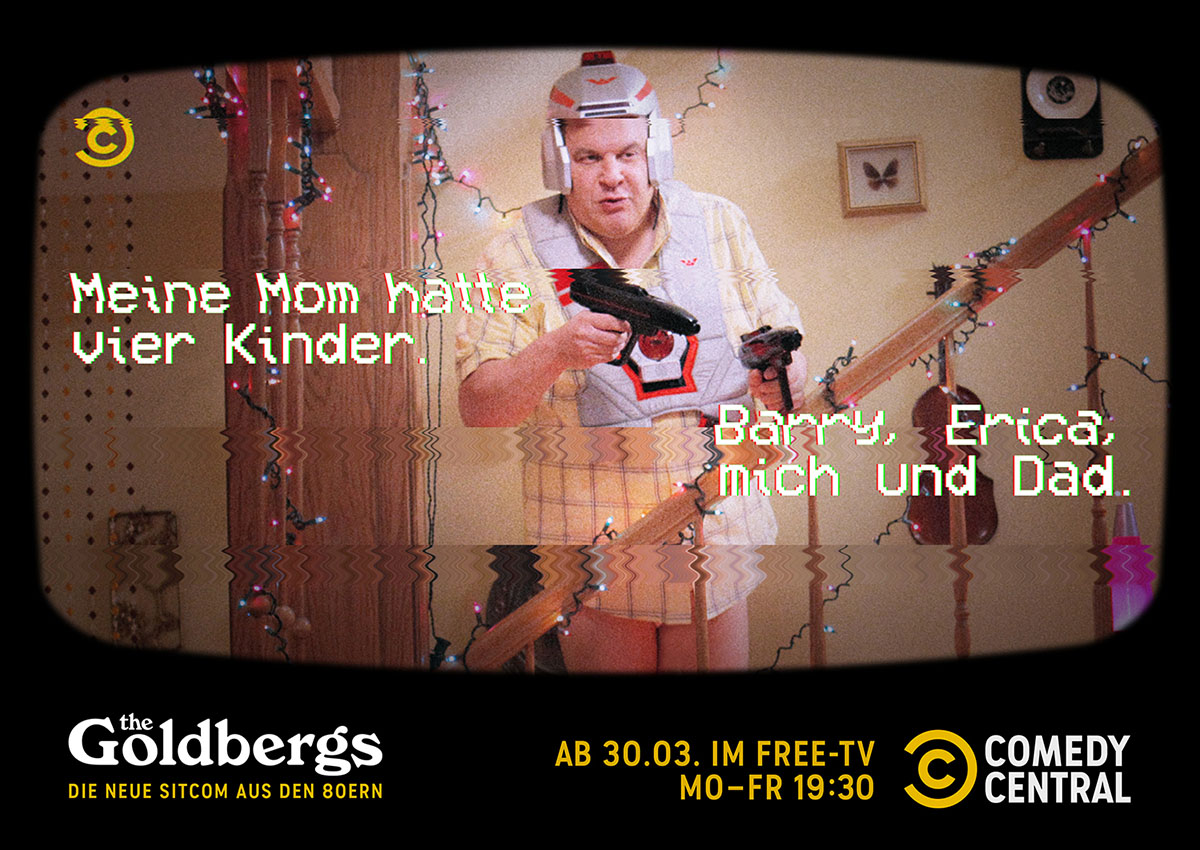 N_200207_CC_Goldbergs_TuneIn_Campaign_FamilyRecorded_MasterLayout_Familie_quer